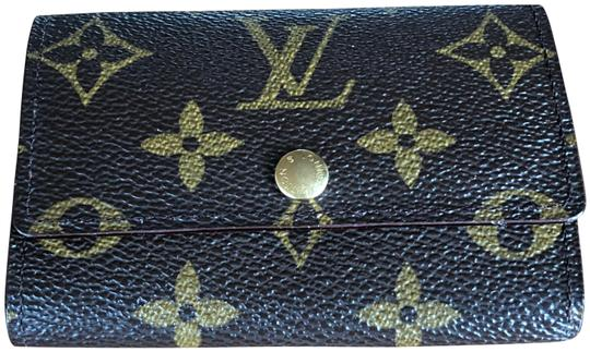 Preload https://img-static.tradesy.com/item/24553820/louis-vuitton-brown-monogram-keycase-6-wallet-0-1-540-540.jpg