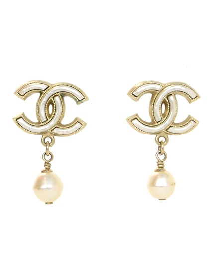 Preload https://img-static.tradesy.com/item/24553870/chanel-goldwhite-cc-pearl-dangle-stud-earrings-0-0-540-540.jpg