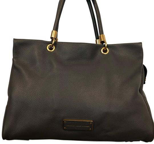 Preload https://img-static.tradesy.com/item/24554000/marc-by-marc-jacobs-leather-faded-aluminum-satchel-0-1-540-540.jpg