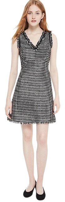 Preload https://img-static.tradesy.com/item/24554039/kate-spade-blackcream-houndstooth-tweed-v-neck-a-line-2018-new-short-casual-dress-size-8-m-0-1-650-650.jpg