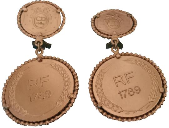 Preload https://img-static.tradesy.com/item/24554081/dior-gold-limited-edition-bicentennial-coin-earrings-0-1-540-540.jpg