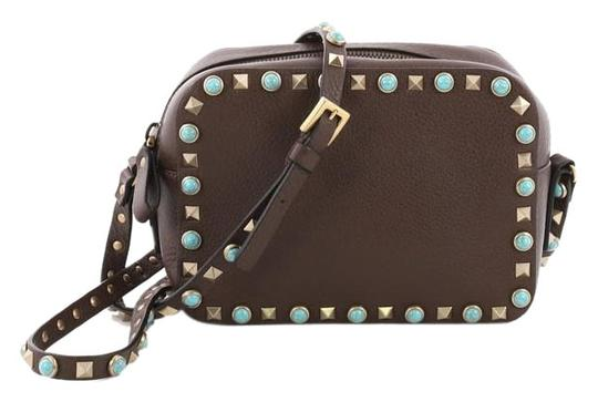 Preload https://img-static.tradesy.com/item/24554091/valentino-rockstud-camera-with-cabochons-brown-leather-cross-body-bag-0-1-540-540.jpg