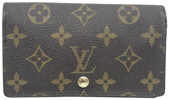 Preload https://img-static.tradesy.com/item/24554159/louis-vuitton-brown-monogram-zippy-wallet-0-1-540-540.jpg