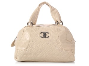 Chanel Ch.p1120.01 Quilted Silver Hardware Cc Satchel in White