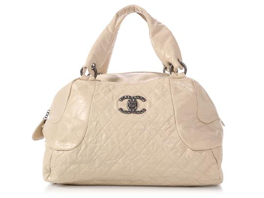 Chanel Ch.p1120.01 Quilted Silver Hardware Cc Reduced Price Satchel in White