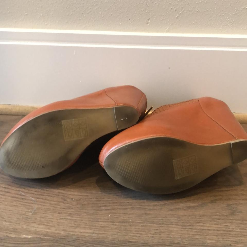 b39512d49e7 Urban Outfitters Brown Cooperative Wedges Size US 7 Regular (M