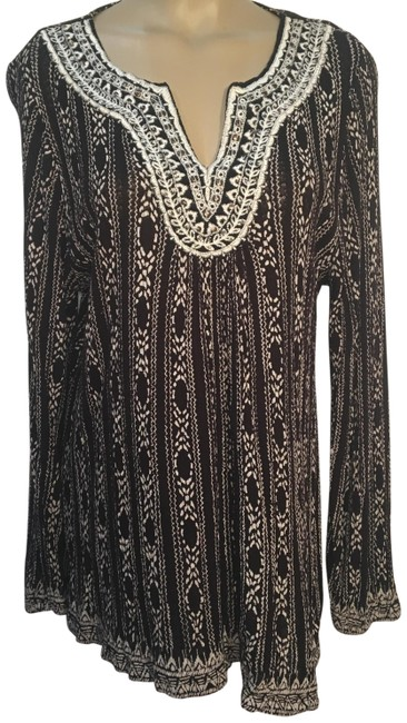 Preload https://img-static.tradesy.com/item/24554536/lucky-brand-black-and-white-peasant-print-blouse-size-20-plus-1x-0-1-650-650.jpg