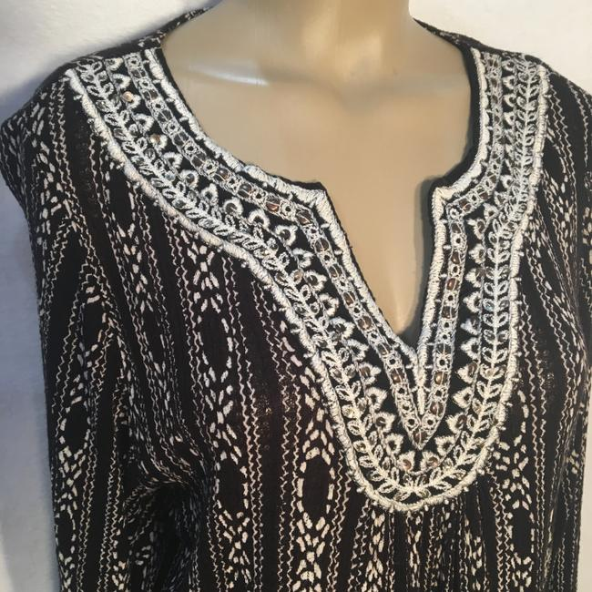 Lucky Brand Top Black & White Image 2