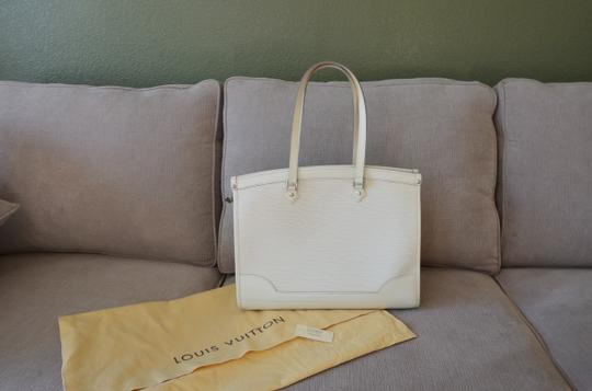 Louis Vuitton Tote in ivory Image 4