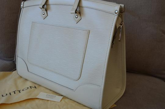 Louis Vuitton Tote in ivory Image 5