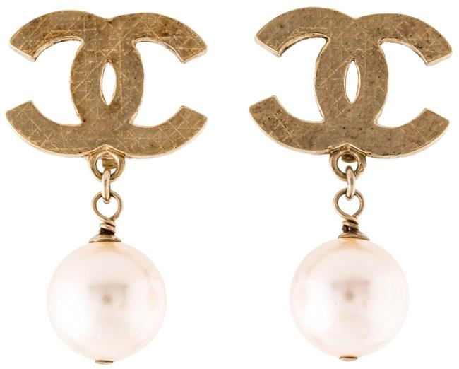 Item - Pearl Gold Cc Logo Drop Dangling Classic 11v Quilted Clip-on Clipon Clip On Earrings