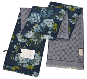 95f884ce77d Gucci New Gucci Women s 415469 Wool GG and Blooms Print Skinny Scarf Muffler