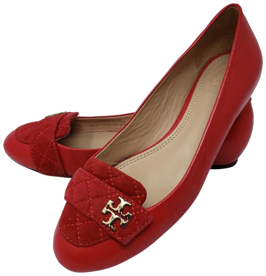ac619c239045 Tory Burch Red Leather Gold-tone Logo Round-toe Flats. Size  US 7 ...