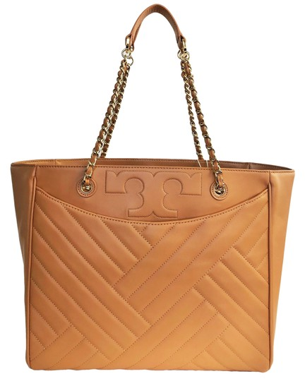 Preload https://img-static.tradesy.com/item/24561005/tory-burch-new-quilted-large-purse-shoulder-aged-vachetta-leather-tote-0-0-540-540.jpg