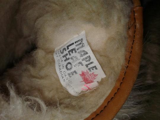 Maple Leaf Shoe Made In Canada Warm Yeti Style Goat Type Fur Vintage Beige, cream Boots Image 4
