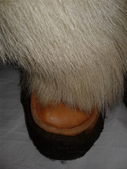 Maple Leaf Shoe Made In Canada Warm Yeti Style Goat Type Fur Vintage Beige, cream Boots Image 6
