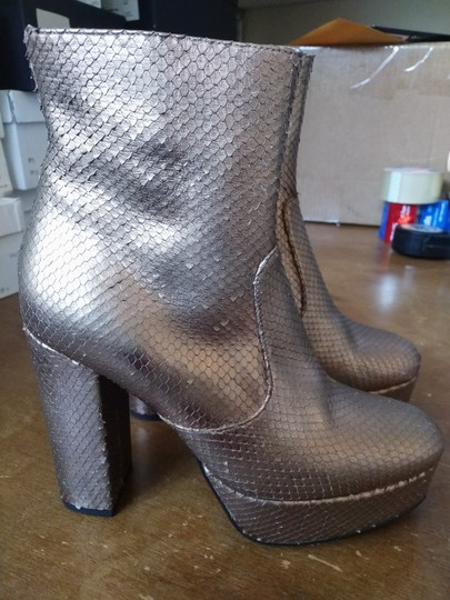ElyseWalker Los Angeles Rose gold metallic Boots Image 1