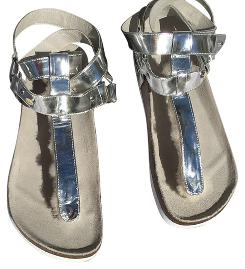 Preload https://img-static.tradesy.com/item/24561880/australia-luxe-collective-silver-chica-genuine-shearling-lined-sandals-flats-size-us-6-regular-m-b-0-2-540-540.jpg