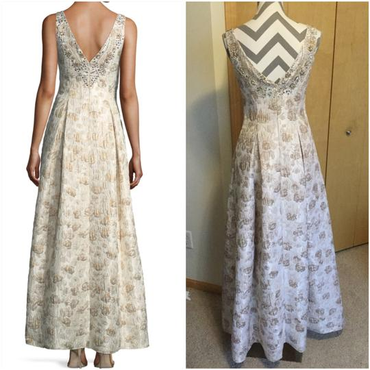 Aidan Mattox Ivory Polyester Metalic Jacquard Ball Gown Feminine Bridesmaid/Mob Dress Size 2 (XS) Image 2