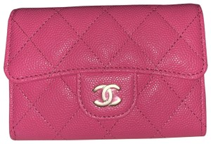Chanel 19C pink caviar card holder in gold tone HW