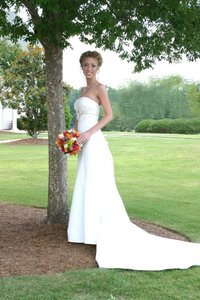 David's Bridal Ivory Satin Strapless Trumpet with Beaded Top Wedding Dress Size 0 (XS)