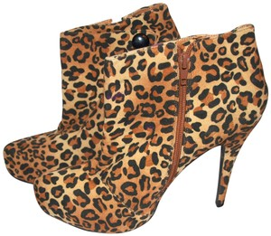 Charlotte Russe Sexy New Leopard Print Boots