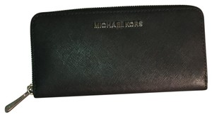 acea21dd8a2a Michael Kors Collection Clutches - Up to 90% off at Tradesy