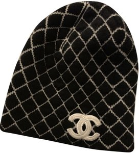 Chanel Chanel CC Cashmere Beanie Hat in Black Limited Edition 97f035f22ff
