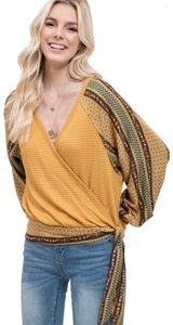 Blu Pepper Top mustard/multi