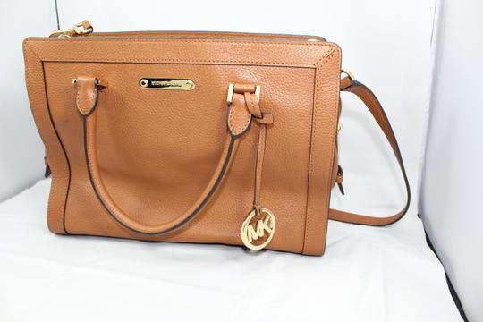 MICHAEL Michael Kors Satchel in browns leather