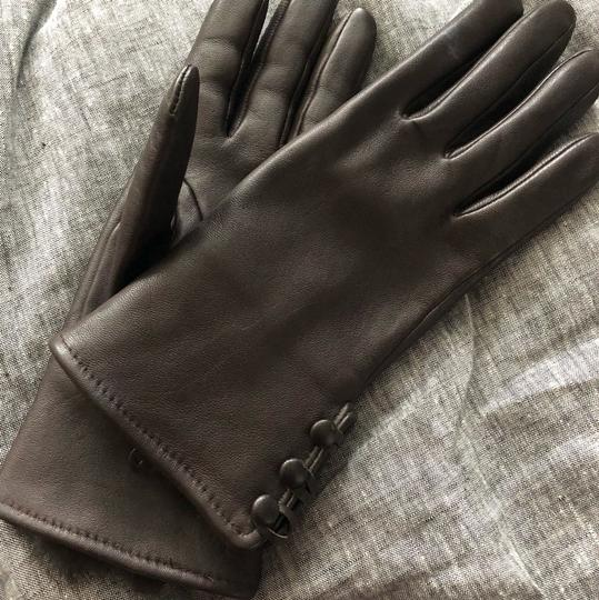 Unknown leather gloves