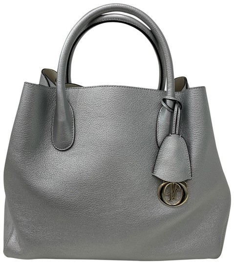 Preload https://img-static.tradesy.com/item/24568502/dior-open-barshopper-silver-calfskin-leather-satchel-0-1-540-540.jpg