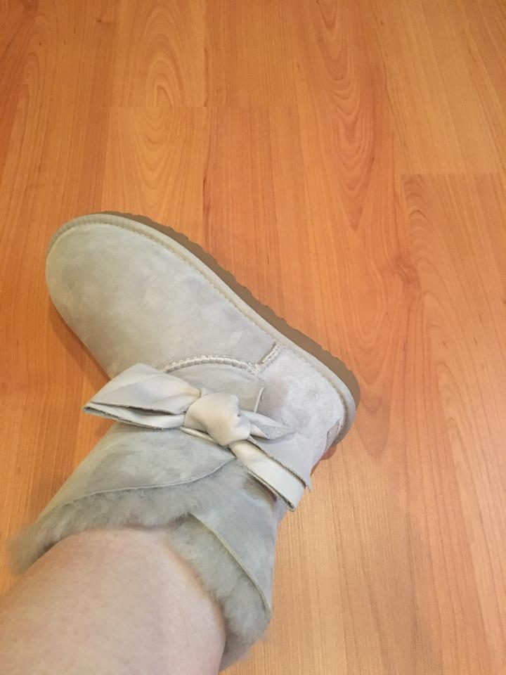 f3cbc14d4cc UGG Australia Light Grey Box New In Violet Daelynn Suede Boots/Booties Size  US 7 Regular (M, B) 40% off retail