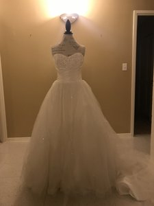 Alfred Angelo Ivory Tule Cinderella Formal Wedding Dress Size 6 (S)