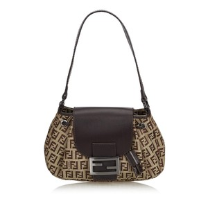 Fendi Bags - Up to 90% off at Tradesy 6d771e3d72