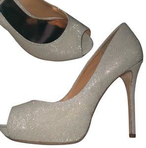 60d46441c7d Women s Gold Badgley Mischka Shoes - Up to 90% off at Tradesy