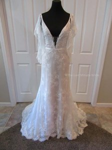 Hayley Paige Ivory/Nude/Cashmere Lace Frida Feminine Wedding Dress Size 4 (S)