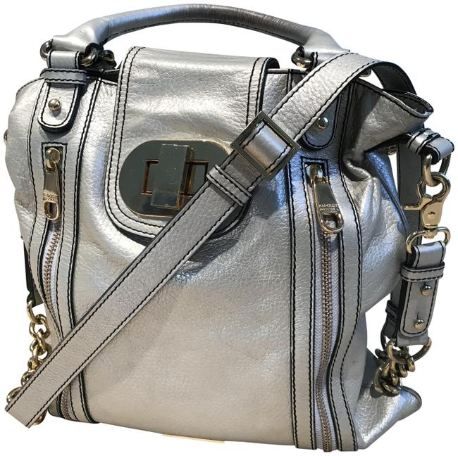 Item - Leather/Gold Tone Crossbody/Shoulder Silver Leather with Goldtone Hardware Cross Body Bag