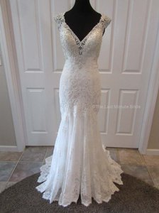 MADISON JAMES Ivory/Silver Lace Mj356 Feminine Wedding Dress Size 8 (M)