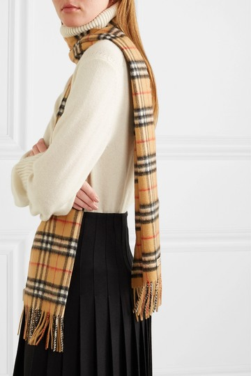 Burberry Checked cashmere scarf Image 2