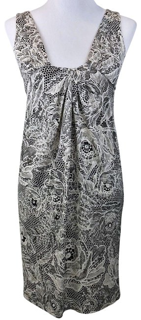 Preload https://img-static.tradesy.com/item/24572728/diane-von-furstenberg-dvf-short-casual-dress-size-0-xs-0-1-650-650.jpg