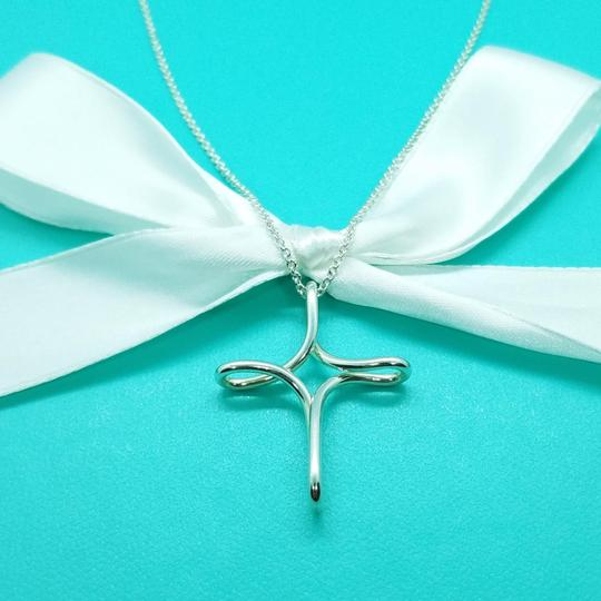 Tiffany & Co. Large Peretti Infinity cross pendant necklace Image 2