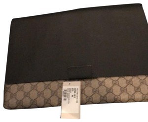 42893e7b96c74d Gucci Clutches - Up to 70% off at Tradesy