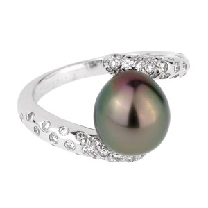 Chanel Chanel Concept Pearl Diamond White Gold Ring