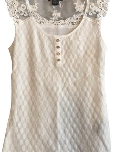 Suzy Shier Top white
