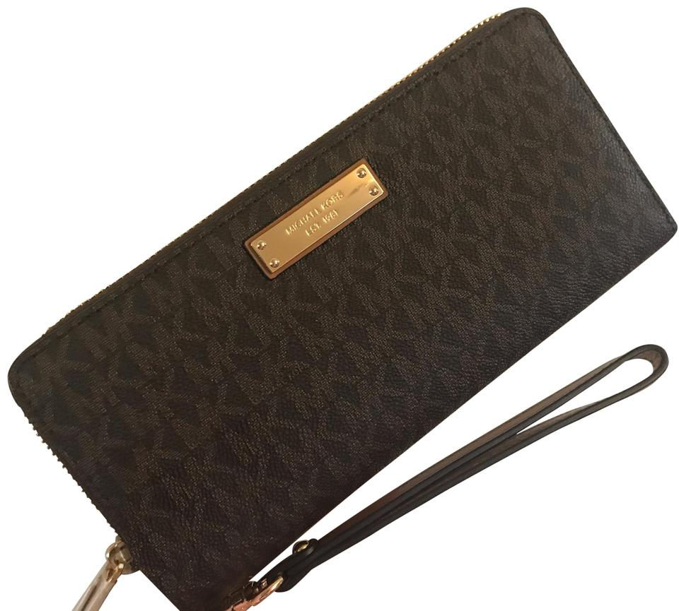 f235e870eb4a MICHAEL Michael Kors Michael Kors Womens Travel Continental Money Pieces  Logo Wristlet Wallet Image 0 ...