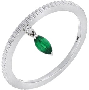 Bony Levy 18K White Gold Marquise Green Emerald Indented Stackable Ring