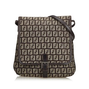 Fendi B Bags - Up to 70% off at Tradesy 3c684074a8