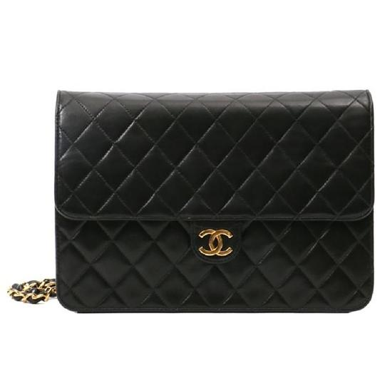 Preload https://img-static.tradesy.com/item/24579271/chanel-vintage-quilted-small-single-flap-black-lambskin-shoulder-bag-0-0-540-540.jpg