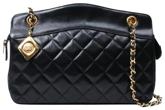 Preload https://img-static.tradesy.com/item/24579567/chanel-timeless-vintage-quilted-shoulder-shopping-black-lambskin-leather-tote-0-1-540-540.jpg